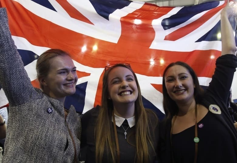 Scotland Decides – A Mackem's View - three happy females say no