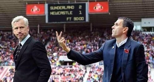 Sunderland Is Better Than Newcastle - Gus Poyet shows Alan Pardew the two fingered salute after SAFC win Newcastle