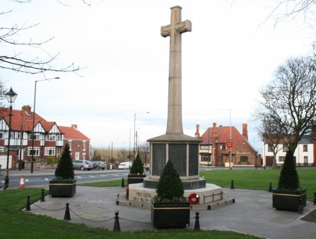 Ryhope Village - cenotaph and war memorial