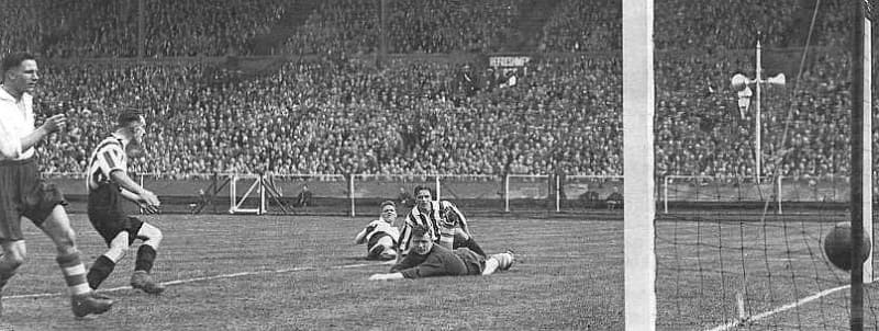 Raich Carter Goal - Wembley 1937 - Sunderland AFC v Preston North End - SAFC FA Cup winners