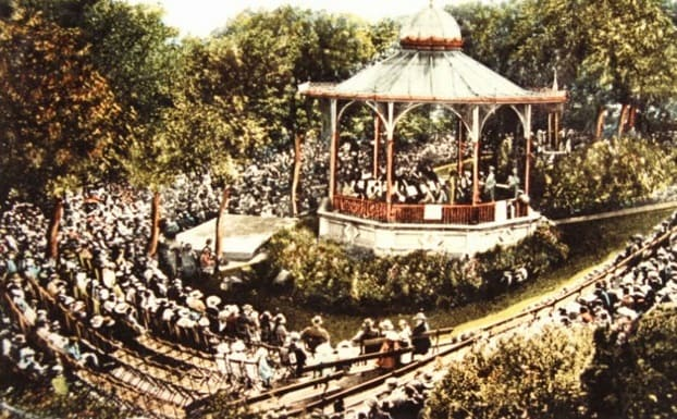 Roker Park Bandstand with crowd - old image