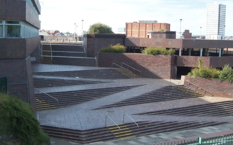 Sunderland Town Hall and Civic Centre - steps and disabled ramps