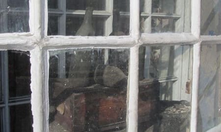 Dirty Bottles in Alnwick - Northumberland ghost