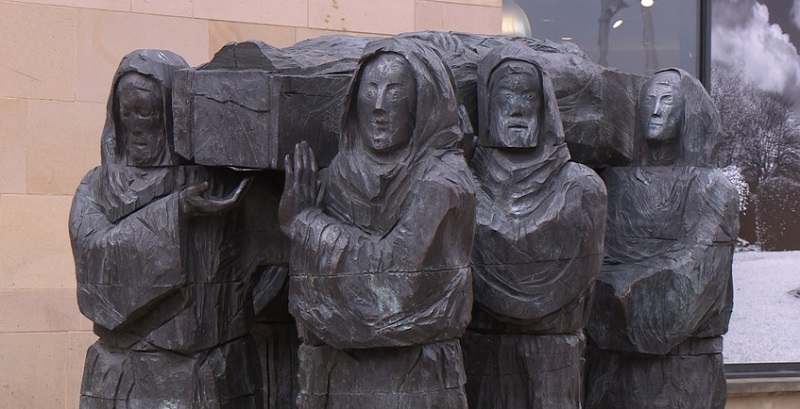 Saint Cuthbert's coffin - monks at County Durham